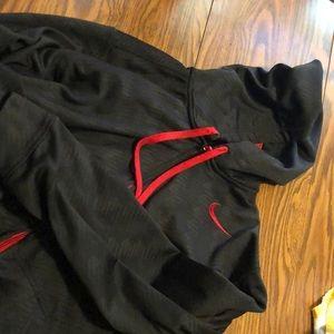 Nike therma-fit hoodie XL black/red